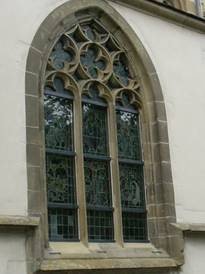 The protective glazing of the local Lutheran parish church in Bad Wimpfen in the condition after completion of work.