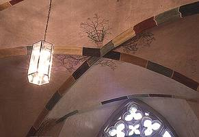 WB 81/P 7-6 Our classic, simply elegant suspended light fixture from the series Würzburg Lead Lamps, in a cross-degree archway in the Nikolaikirche in Jüterbog.